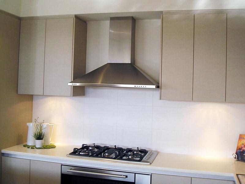 Современные кухонные вытяжки